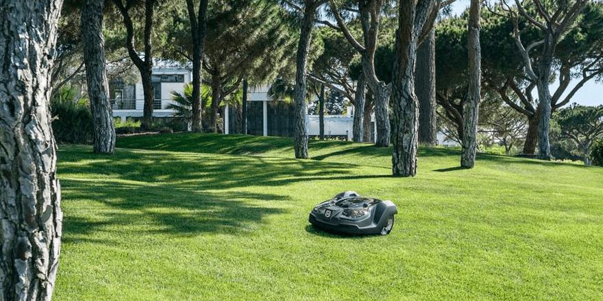 Compare Smart Lawnmowers Husqvarna Automower
